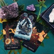 The consultation of the Tarot from a professional Tarot reader